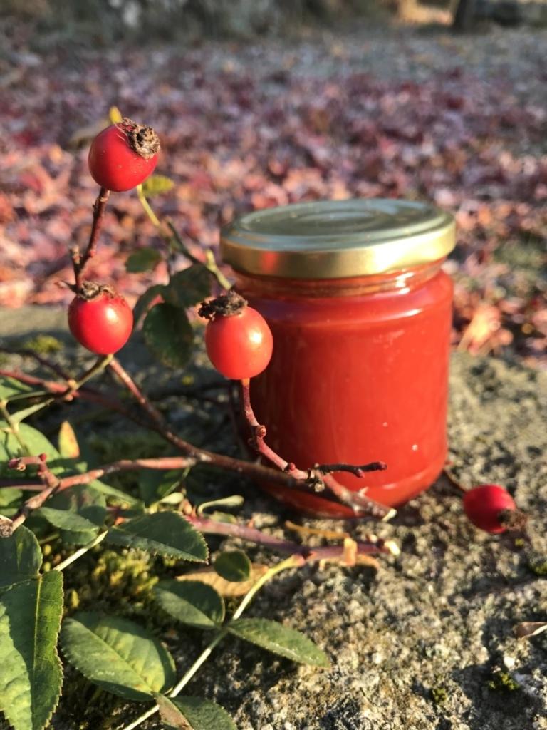 confiture et fruits de cynorrhodons